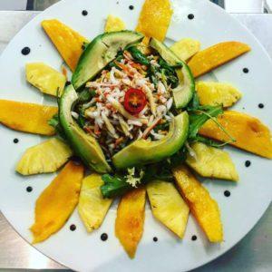 salade-avocat-mangue-ananas-restaurant-réunionnais-et-créole-marseille-13006